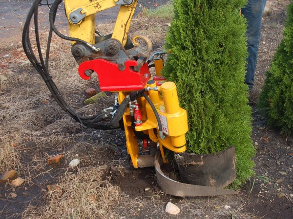 Digger- & Loader-mounted tree spades | Damcon tree nursery